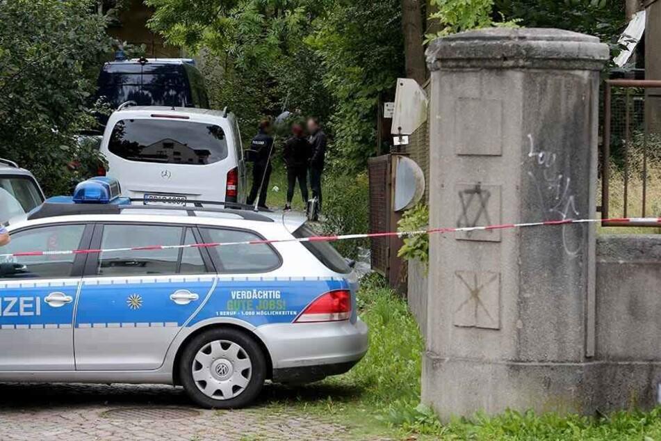 Die Polizeieinsatz nach dem Leichenfund an der Zwickauer Straße.