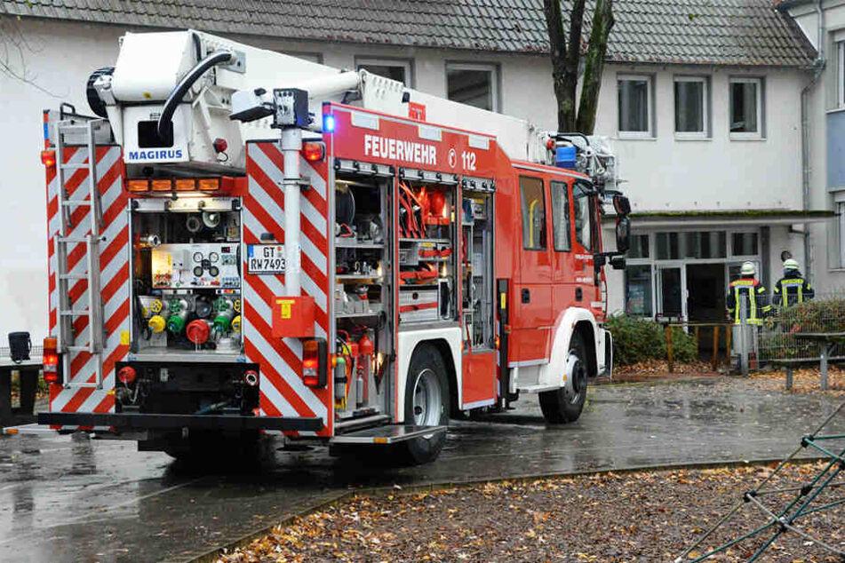 Beim Eintreffen der Feuerwehr waren bereits alle Schüler aus dem Gebäude evakuiert.