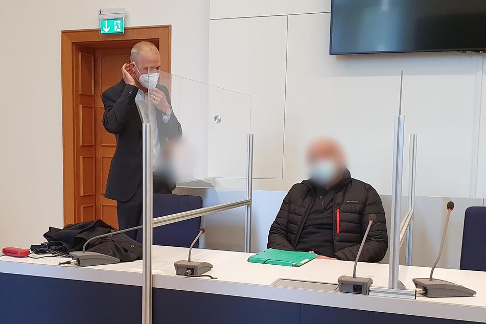 Der Angeklagte (45) schwieg am Mittwoch vor Gericht.