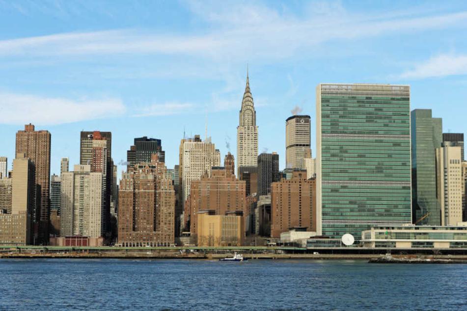 Das UN-Hauptquartier (r.) ist ein berühmter Bestandteil der Skyline von Manhattan.