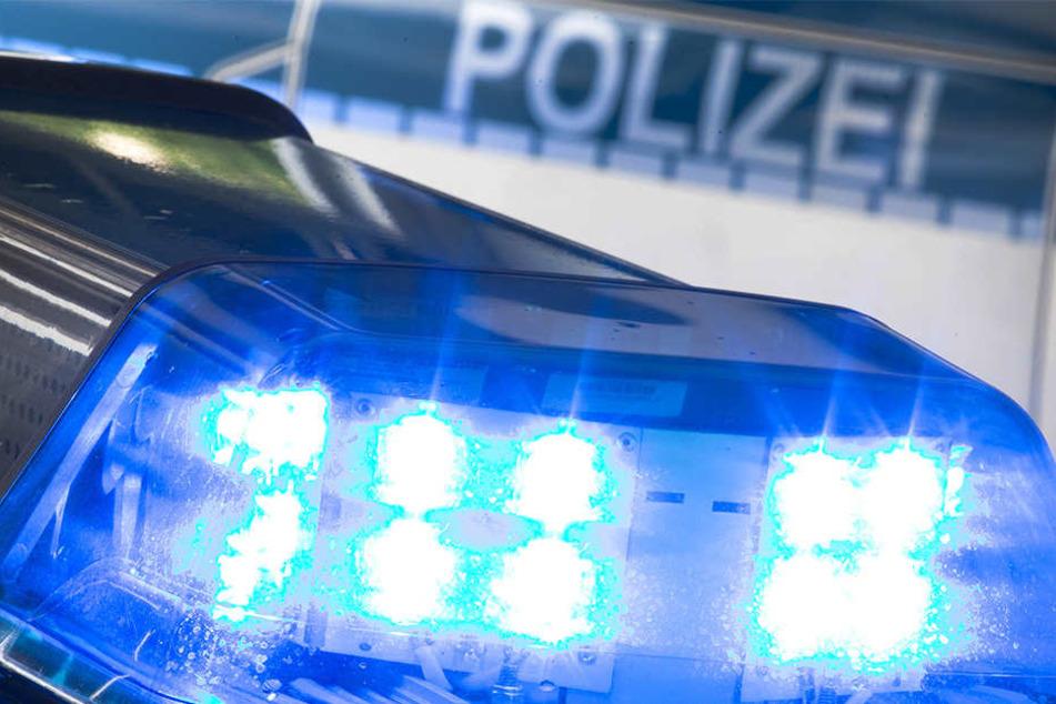 Mann stürzt in der Friedrichstadt vom Balkon