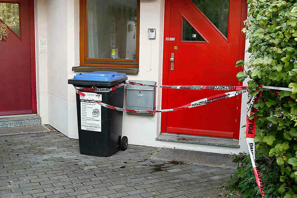 Hinter dieser Wohnungstür geschah am 13. September das grausame Blutbad.