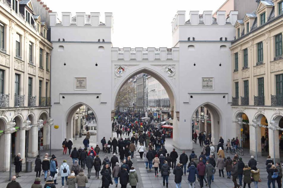 Vom Karlsplatz/Stachus aus führt München große Einkaufsstraße in die Innenstadt. (Archivbild)