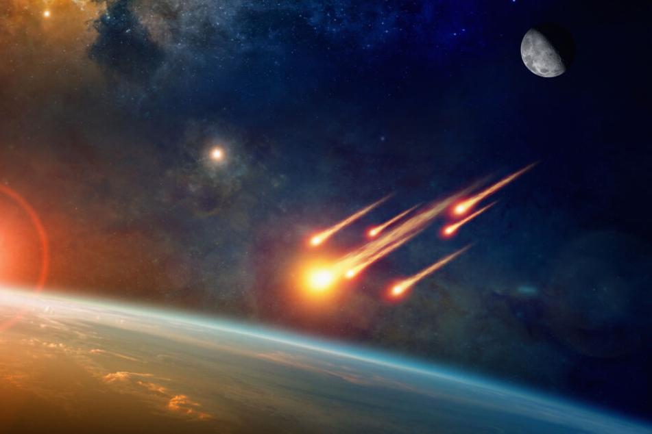 Asteroiden & Meteoriten: Sensation: Nasa entdeckt gigantische Meteoriten-Krater unter dem Eis