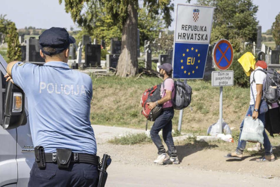 Die kroatische Polizei hat nahe der slowenischen Grenze auf einen illegal eingereisten Migranten geschossen.