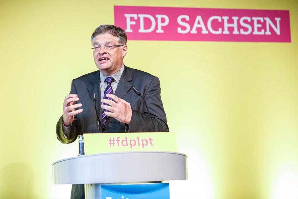 Sachsens FDP-Chef Holger Zastrow (50) bei einer Rede auf dem Landesparteitag der Liberalen im April.