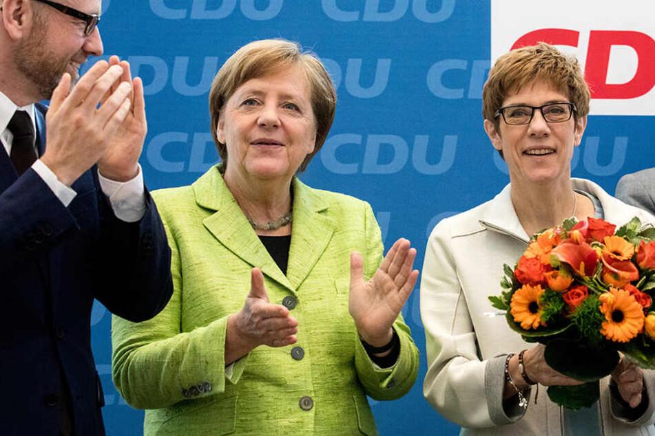 Peter Tauber, Angela Merkel und Annegret Kramp-Karrenbauer unter sich.