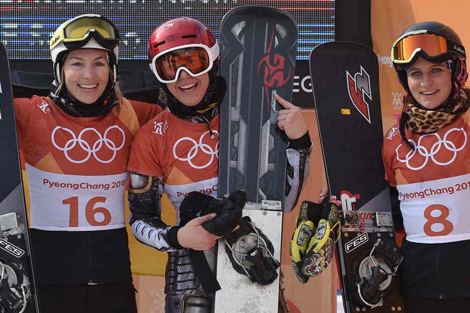 Sichtlich zufrieden: Selina Jörg (l, Silber) und Ramona Theresia Hofmeister (r, Bronze).