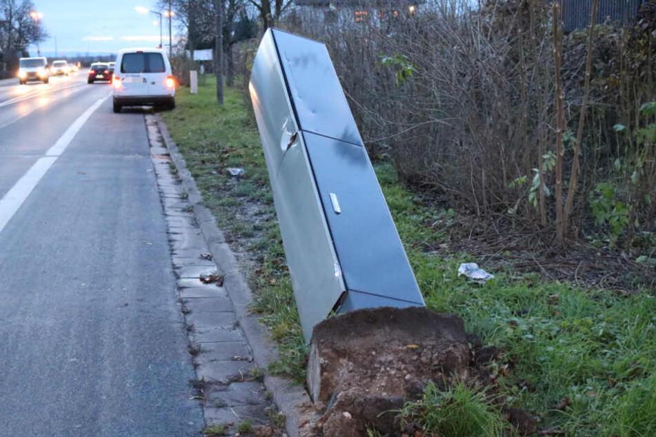 Insgesamt sechs Blitzer wurden von Unbekannten beschädigt.