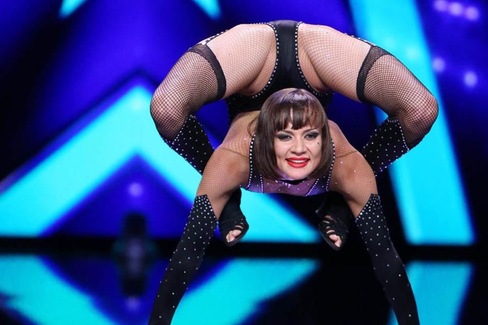 """Weil's so schön war: Nach dem RTL-""""Supertalent"""" will Schlangentänzerin Alina Ruppel (20) jetzt zu """"Let's Dance"""" auf's RTL-Tanzparkett."""
