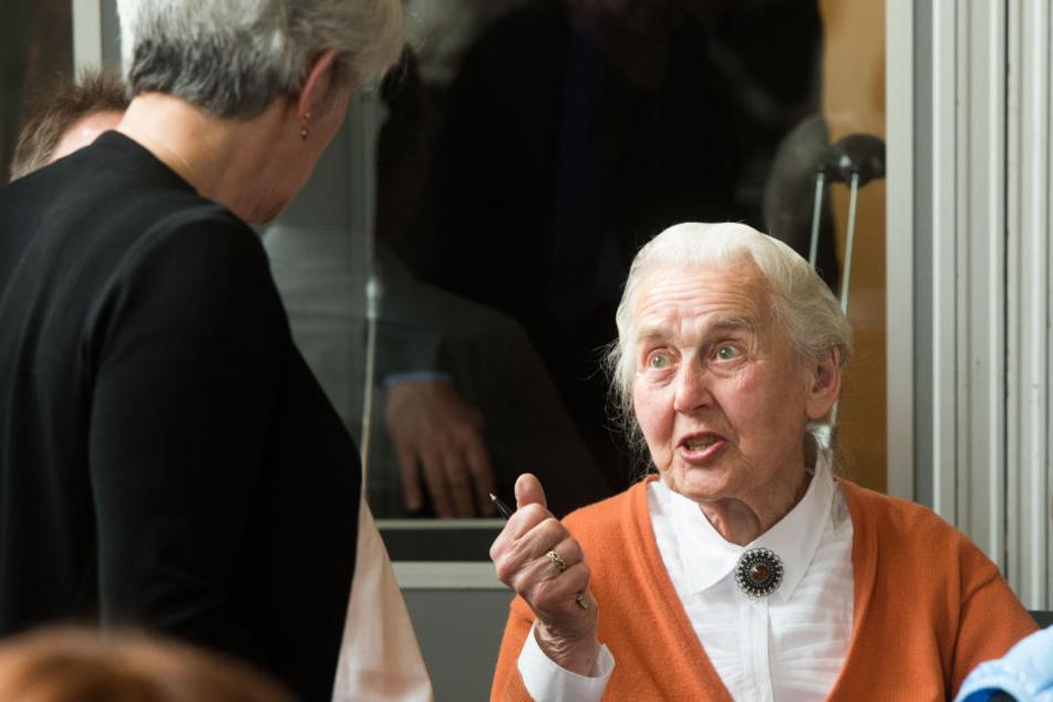 Die inzwischen 88-Jährige wurde bereits mehrfach wegen Volksverhetzung verurteilt.