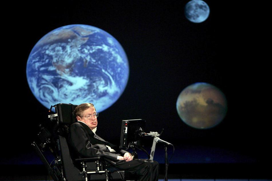 Stephen Hawking (75) ist alarmiert. Und sucht nach einem neuen Planeten, auf den sich die Menschen flüchten könnten.