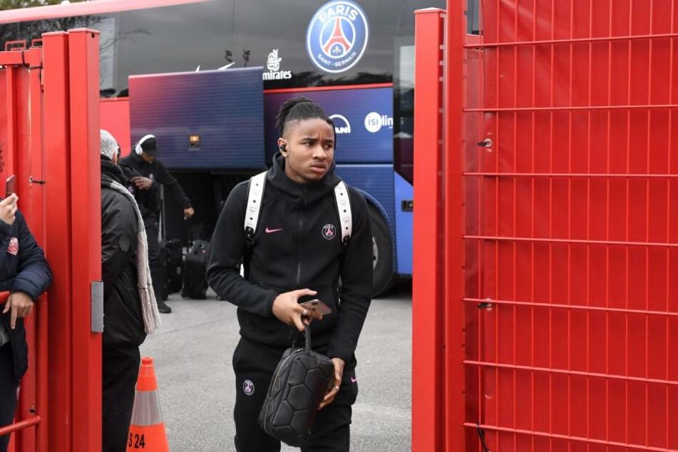 Christopher Nkunku (21) hat sich einem Bericht zufolge am Montag von seinen Teamkollegen von Paris Saint-Germain verabschiedet.