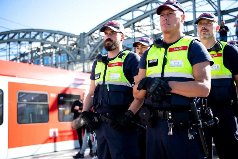 Sicherheitskräfte der Deutschen Bahn (DB).