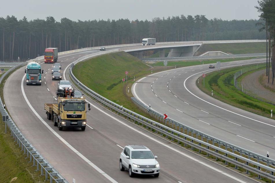 Auf der A24 kam es am Sonntag zu einem tödlichen Unfall (Symbolbild).