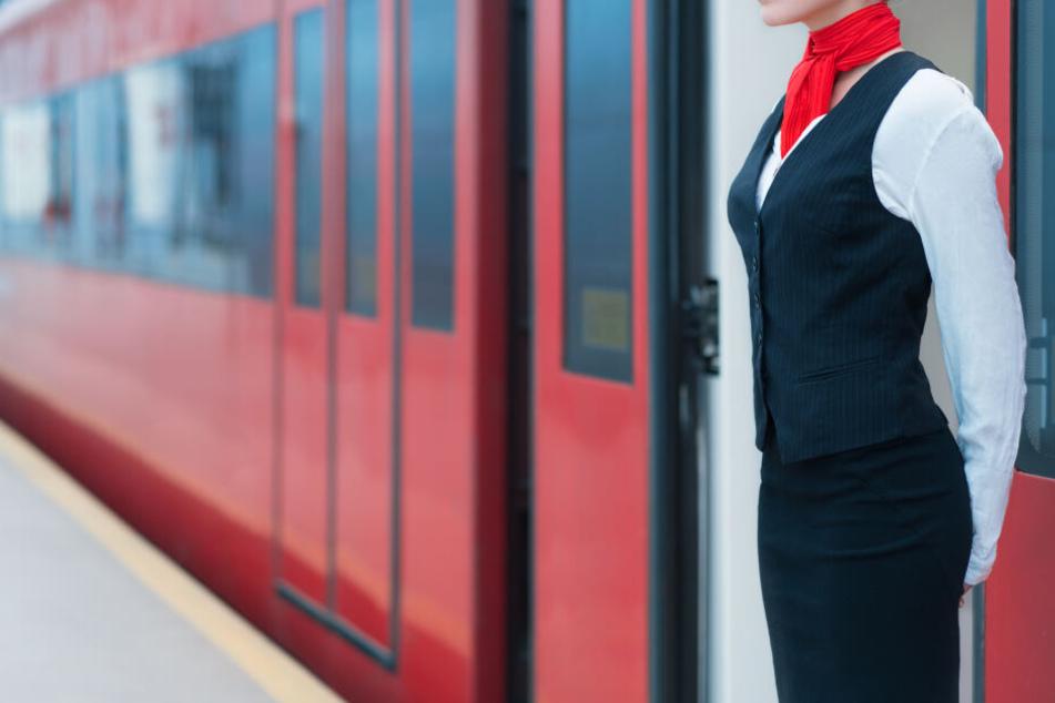 Die Zugbegleiterin musste nach der Attacke in ein Krankenhaus (Symbolbild).