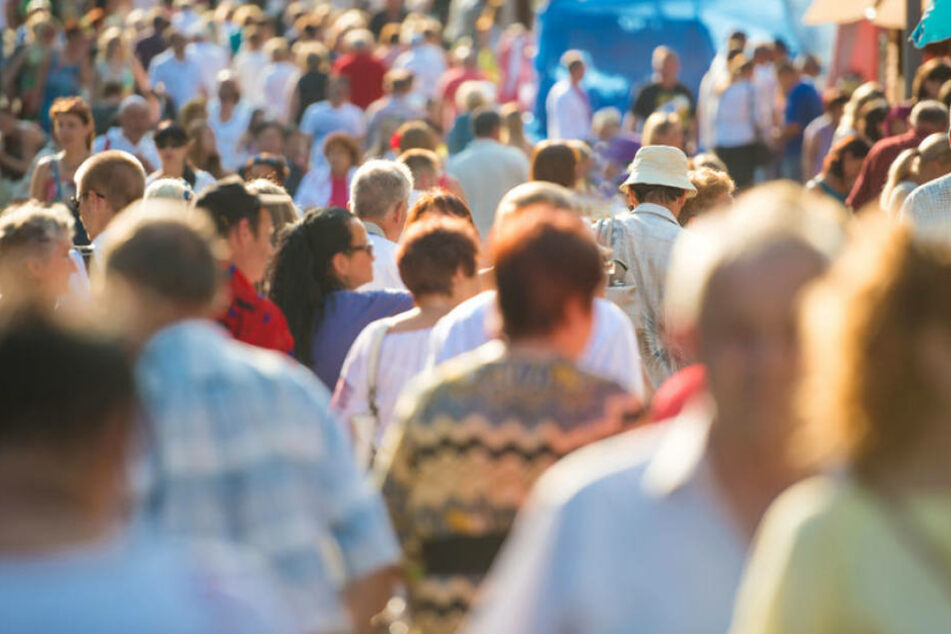 Viele Menschen zieht es nach Baden-Württemberg, im Osten nimmt die Bevölkerungsanzahl dagegen ab. (Symbolbild)