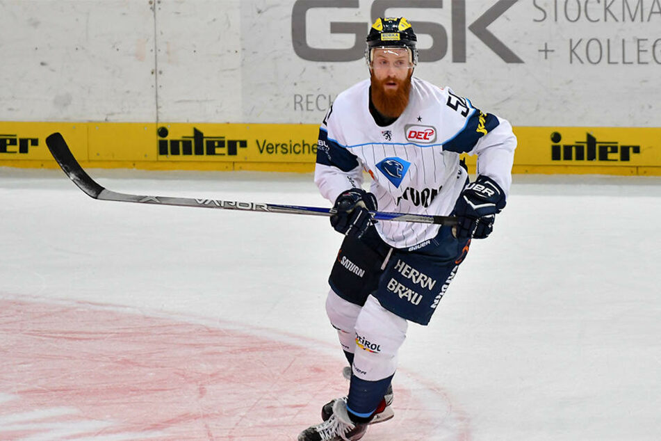 Thomas Pielmeier hat schon für viele Vereine in Deutschland gespielt. Zuletzt stand er zwei Jahre für den ERC Ingolstadt auf dem Eis.
