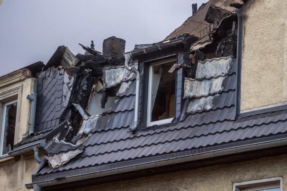 Das Gebäude wurde durch das Feuer völlig zerstört.