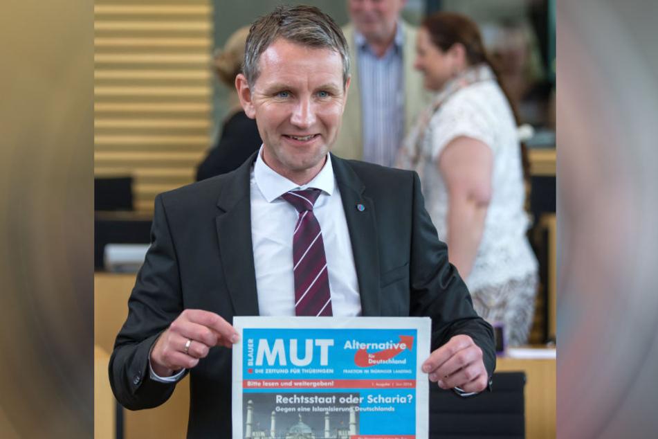 """Björn Höcke ist Herausgeber der AfD-Fraktionszeitung """"Blauer Mut - Die Zeitung für Thüringen""""."""