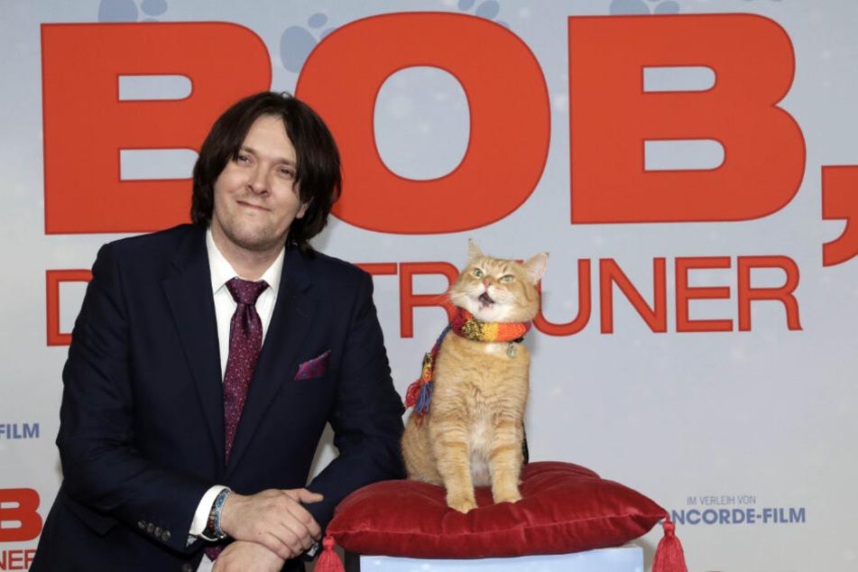 Das Leben von Bob und seinem Herrchen ist 2016 verfilmt wurden.