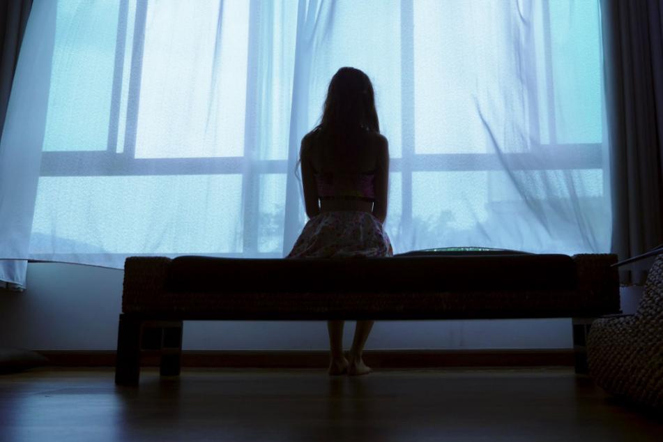 Die junge Frau (17) muss durch die Hölle gegangen sein- (Symbolbild)