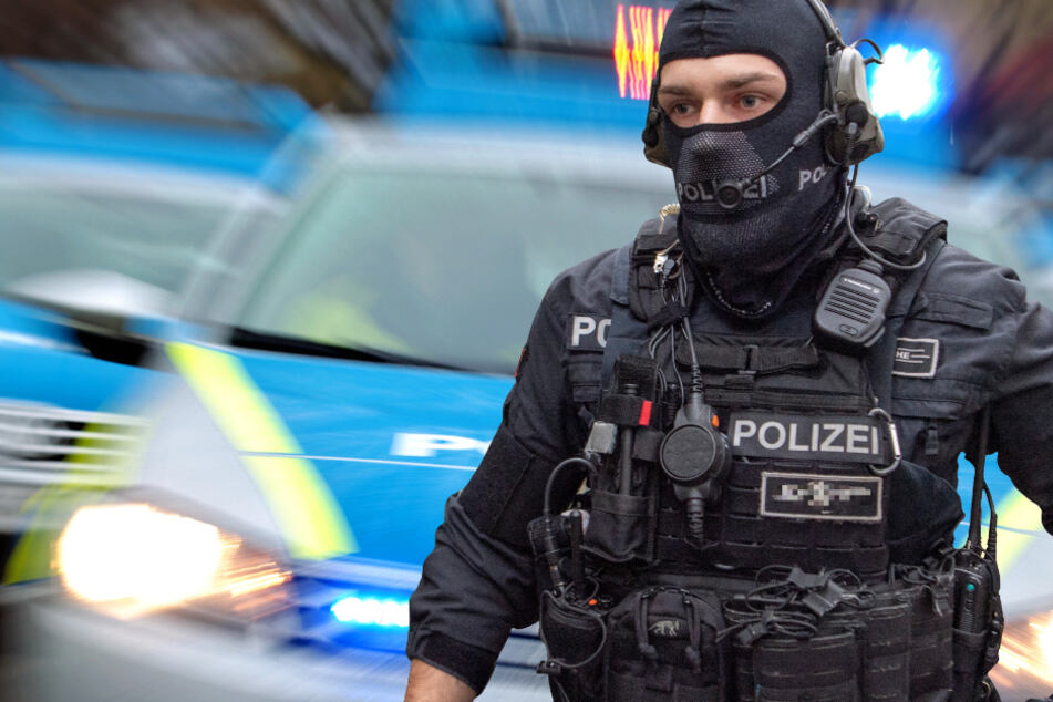 Die verdächtigten Beamten gehören dem Spezialeinsatzkommandos (SEK) beim Polizeipräsidium Frankfurt am Main an (Symbolbild).