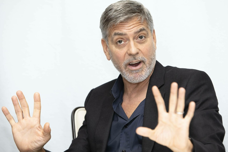 In an interview, George Clooney (59) made a critical remark about Hungarian Prime Minister Viktor Orban.