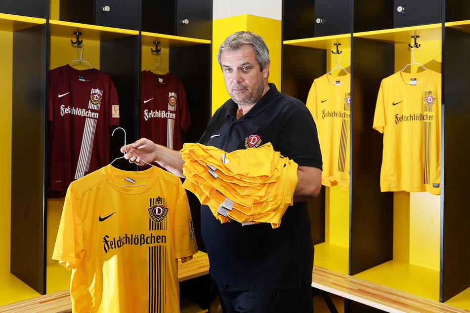 Viele Jahre arbeitete er als Zeugwart bei Dynamo, kümmerte sich auch um die Trikots der Spieler.