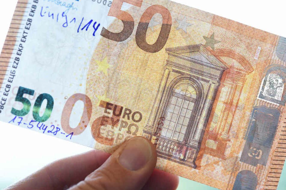 Insbesondere 50-Euro-Noten werden oft gefälscht (Symbolbild).