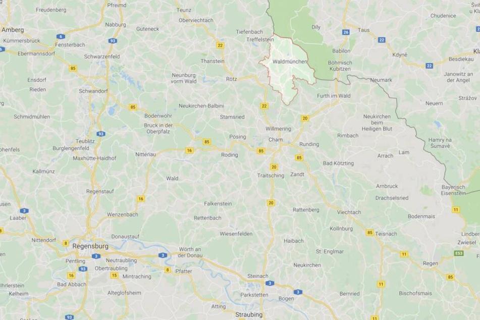 Im Landkreis Cham in Bayern wurden zwölf Iraker von der Bundespolizei in einem Transporter entdeckt.