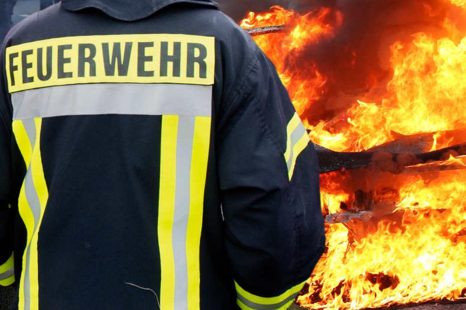Das Auto stand komplett in Flammen (Symbolbild).