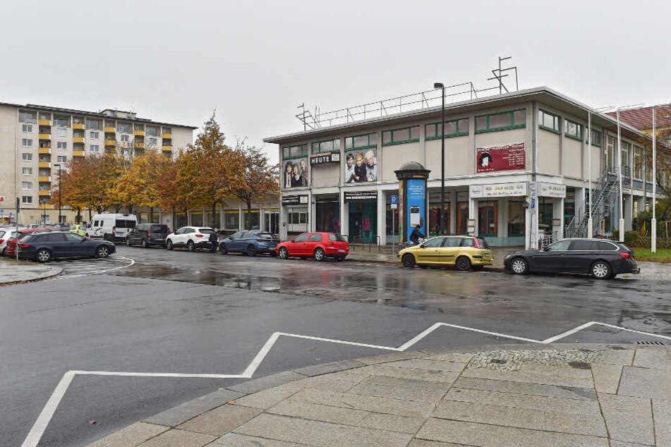 """Die alte """"Herkuleskeule"""" am Sternplatz wird abgerissen."""