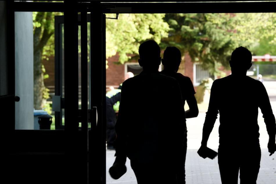 Asylbewerber, die straffällig werden, will Palmer aus den Städten nehmen, in eigenen Einrichtungen unterbringen. (Symbolbild)