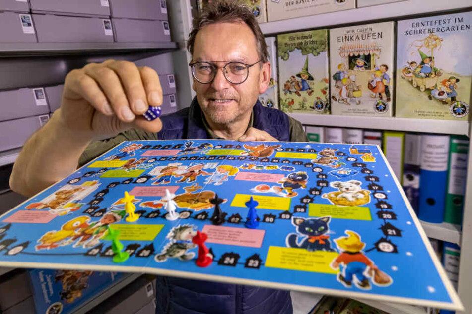 Ralf Viehweg (59) hat die DDR-Spiele-Marke Spika übernommen und nun das Sandmännchen-Spiel wieder aufgelegt.