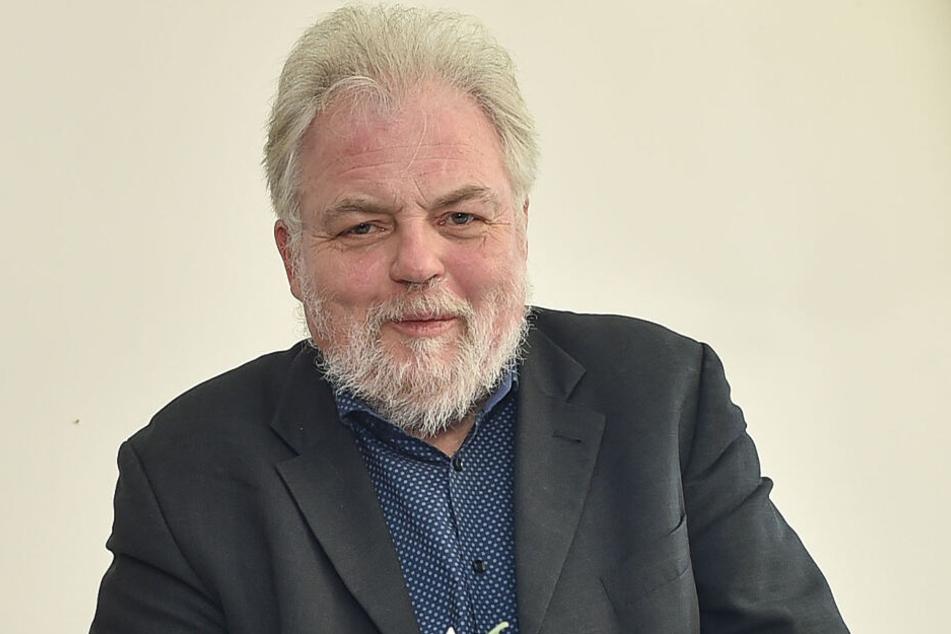 Sachsens Stasi-Akten-Hüter Lutz Rathenow plädiert für den Standort Chemnitz.