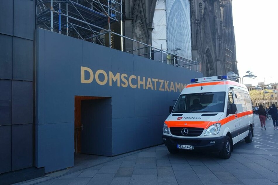 Notfall im Kölner Dom: Höhenretter rücken an