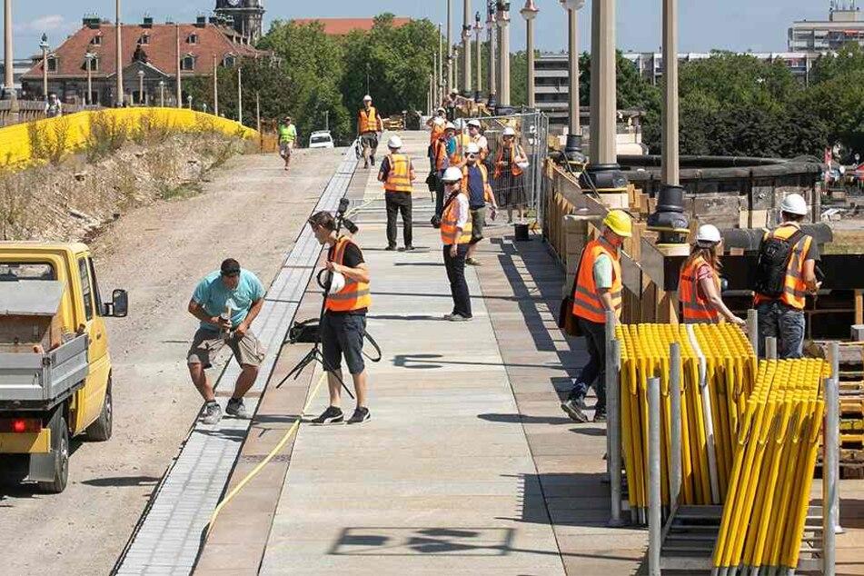 Baustelle Augustusbrücke: Erst in zwei Jahren rollen die Bahnen