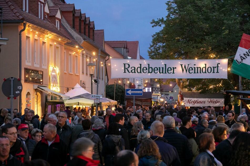 Dichtes Gedränge, wie hier beim Weinfest in Radebeul 2018, wird dieses Jahr eher nicht möglich sein.