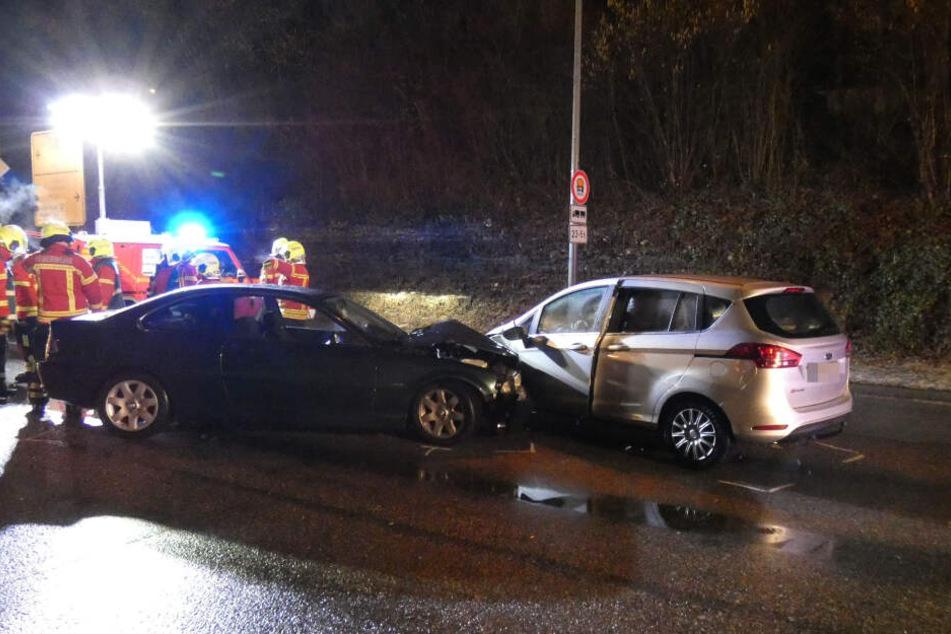 Mit diesen beiden Autos sind die Fahrer zusammengekracht.