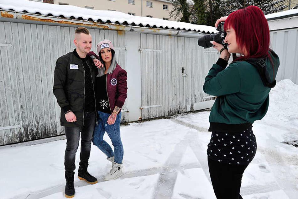 Steffs Freund Dennis Böttcher (24) modelt gemeinsam mit seiner Liebsten für Hyvest vor der Kamera von Bianca Kauler (28).