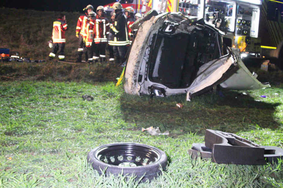 Alkohol! Horror-Crash nach Party: Junger Golf-Fahrer aus Wrack geschnitten