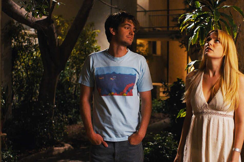 Sam (Andrew Garfield) ist von der bildschönen Sarah (Riley Keough) völlig hingerissen.