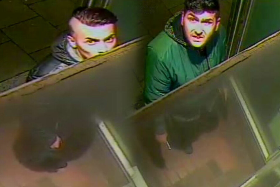 Die Polizei Hamburg sucht nach diesen zwei Männern.
