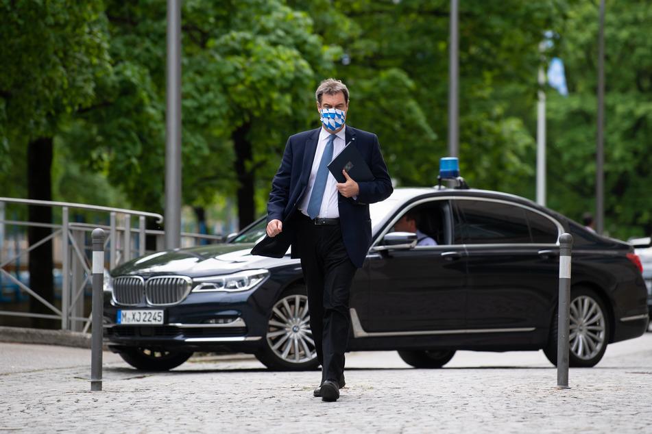 """Angesichts der Corona-Krise hat das bayerische Kabinett am Dienstag für sich eine """"Nullrunde"""" beschlossen."""