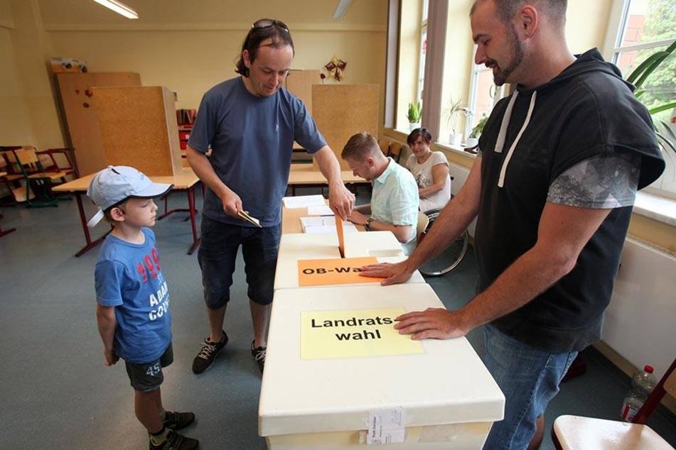 Wahlhelfer sollen in Zwickau künftig mehr Geld bekommen.