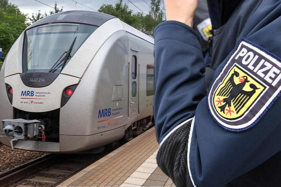 Mann sackte während der Fahrt zusammen: Leiche in Regionalbahn entdeckt