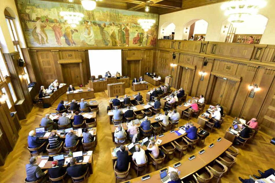 Der Stadtrat entscheidet am Freitag über die Zukunft der Himmelblauen.