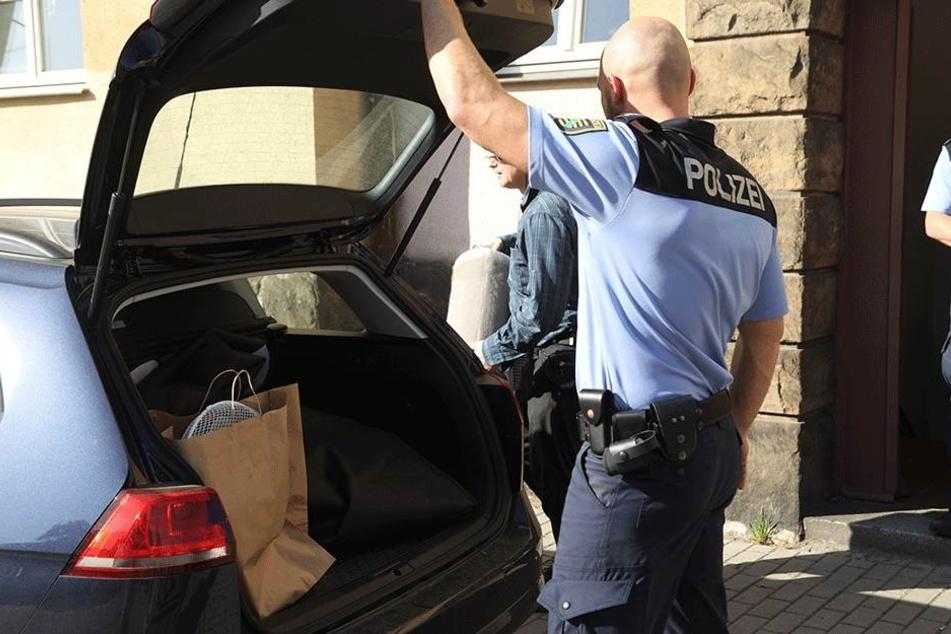 Die Polizei am Dienstag vor Ort.
