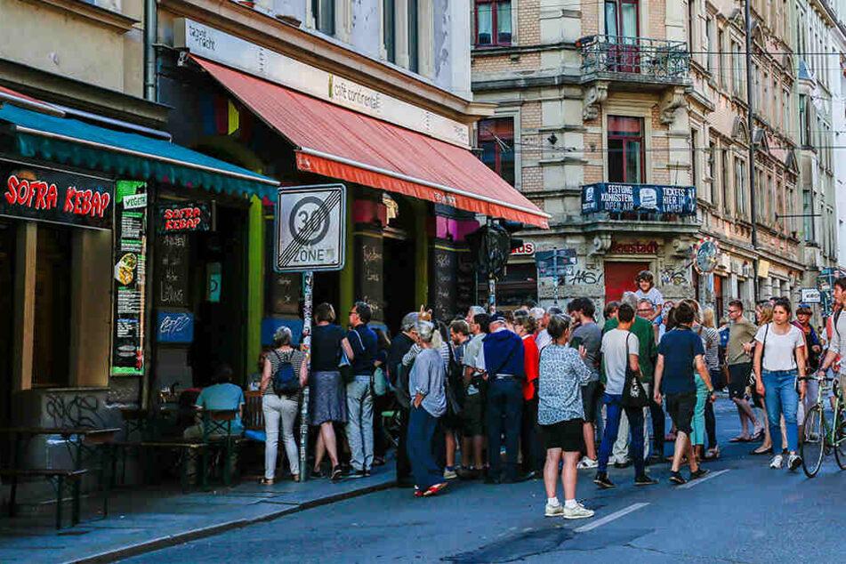 Das Café Continental (links im Bild).